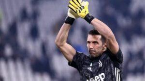 Juventus, rinnovano Buffon e Chiellini: è ufficiale